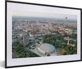 Foto in lijst - Luchtfoto van de Duitse stad Braunschweig fotolijst zwart met witte passe-partout 60x40 cm - Poster in lijst (Wanddecoratie woonkamer / slaapkamer)