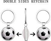 voetbal sleutelhanger - voetbal - sport - dubbelzijdig - cadeau - kado - geschenk - gift - verjaardag - feestdag – verassing – balsport – voetbalschoenen – speelveld – uefa – fifa – ronaldo – messi
