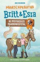 Paardenpraat tv Britt en Esra - De mysterieuze paardendiefstal