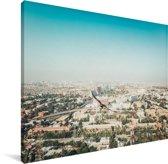 Blauwe lucht boven Karachi Canvas 80x60 cm - Foto print op Canvas schilderij (Wanddecoratie woonkamer / slaapkamer)