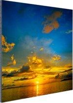 Oranje zonsondergang met blauwe lucht Aluminium 50x50 cm - Foto print op Aluminium (metaal wanddecoratie)