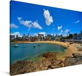 Strand van Rio Vermelho in Salvador bij Bahia in Brazilië Canvas 90x60 cm - Foto print op Canvas schilderij (Wanddecoratie woonkamer / slaapkamer)