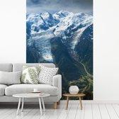 Fotobehang vinyl - Fantastische foto van de Mont Blanc breedte 270 cm x hoogte 400 cm - Foto print op behang (in 7 formaten beschikbaar)