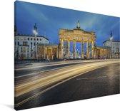De Brandenburger Tor in Duitsland met een blauwe hemel Canvas 180x120 cm - Foto print op Canvas schilderij (Wanddecoratie woonkamer / slaapkamer) XXL / Groot formaat!