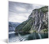 Foto in lijst - De zeven zusters waterval bij Geirangerfjord in Noorwegen fotolijst wit 50x40 cm - Poster in lijst (Wanddecoratie woonkamer / slaapkamer)