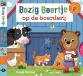 Boek cover Bezig Beertje - Bezig beertje op de boerderij van Benji Davies