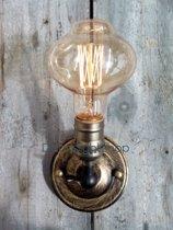 Plafondfitting brons E27 industrie look met lichtbron. Plafondlamp is verstelbaar. Wordt geleverd met retro vintage ovale lichtbron. Ook geschikt als wandlamp.