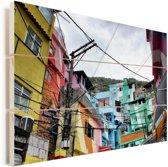 Kleurrijke favela op een helling in Brazilië Vurenhout met planken 60x40 cm - Foto print op Hout (Wanddecoratie)