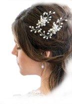 Bruid haarversiering 2 stuks haarkam parel steentjes bloem