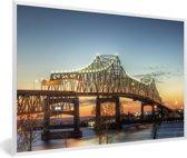 Foto in lijst - De brug bij het Amerikaanse Baton Rouge in de schemering fotolijst wit 60x40 cm - Poster in lijst (Wanddecoratie woonkamer / slaapkamer)