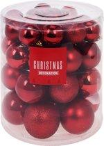 44x Rode kunststof kerstballen 5-6-7-8 cm - Mat/glans/glitter - Kunststof kerstballen - Kerstboomversiering rood