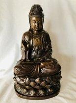 Kwan yin/ Quan Yin /Guan Yin boeddha beeld van een zware kwaliteit brons . 40cm x 25cm 7KG