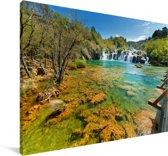 De kleurrijke wateren in het Nationaal park Krka in Kroatië Canvas 180x120 cm - Foto print op Canvas schilderij (Wanddecoratie woonkamer / slaapkamer) XXL / Groot formaat!