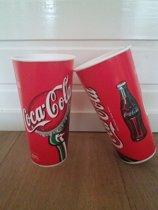 Coca-Cola kartonnen beker. inhoud: 0,5 L. Doos á 1000 stuks.