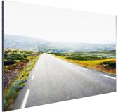 Uitzicht op een landweg Aluminium 180x120 cm - Foto print op Aluminium (metaal wanddecoratie) XXL / Groot formaat!