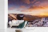Fotobehang vinyl - Kleurrijke lucht boven het Engelse Nationaal park Peak District breedte 420 cm x hoogte 280 cm - Foto print op behang (in 7 formaten beschikbaar)