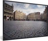 Foto in lijst - Prachtige foto van het stadhuis op de Grote Markt van Brussel fotolijst zwart 60x40 cm - Poster in lijst (Wanddecoratie woonkamer / slaapkamer)