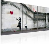 Schilderij - Er is altijd hoop (Banksy) met ballon - zwart/wit/rood, 3luik, 2 maten