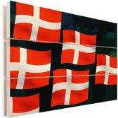 Close-up van een paar Deense vlaggen Vurenhout met planken 90x60 cm - Foto print op Hout (Wanddecoratie)