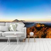 Fotobehang vinyl - Het vulkanische landschap van het Nationaal Park Bromo Tengger Semeru op Java breedte 480 cm x hoogte 360 cm - Foto print op behang (in 7 formaten beschikbaar)