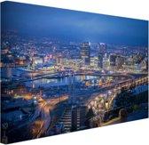 Oslo bij nacht Canvas 80x60 cm - Foto print op Canvas schilderij (Wanddecoratie woonkamer / slaapkamer) / Steden Canvas Schilderij