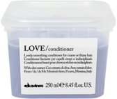 DAVINES ESSENTIAL HAIRCARE LOVE SMOOTHING CONDITIONER - WEERBARSTIG HAAR 250ML