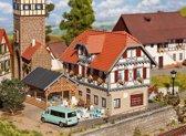 Faller - Hotel Sonne met tuinhuisje