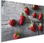 Aardbeien op donkere houten tafel Plexiglas 180x120 cm - Foto print op Glas (Plexiglas wanddecoratie) XXL / Groot formaat!