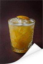 Glas gele alcohol cocktail met ijs en een plakje citroen Poster 80x120 cm - Foto print op Poster (wanddecoratie woonkamer / slaapkamer)