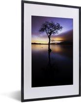 Foto in lijst - Uitzicht over het Loch Lomond meer met een kleurrijke hemel fotolijst zwart met witte passe-partout 40x60 cm - Poster in lijst (Wanddecoratie woonkamer / slaapkamer)
