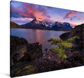 Kleurrijke zonsopgang bij het Pehoe meer in Chili Canvas 180x120 cm - Foto print op Canvas schilderij (Wanddecoratie woonkamer / slaapkamer) XXL / Groot formaat!