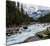 Rivier dichtbij een berg in Canada Canvas 120x80 cm - Foto print op Canvas schilderij (Wanddecoratie woonkamer / slaapkamer)