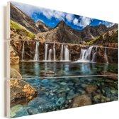 De Fairy Pools op het eiland Skye in Schotland Vurenhout met planken 60x40 cm - Foto print op Hout (Wanddecoratie)