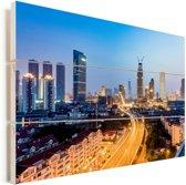 Verlichting in de straten van Tianjin Vurenhout met planken 90x60 cm - Foto print op Hout (Wanddecoratie)