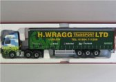 Mercedes-Benz Actros Eco-Curtainside 'H. Wragg'  1:50 Corgi  Groen / Blauw / Rood  CC13822