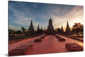 De oude tempel in Ayutthaya met een mooie zonsondergang in Thailand Aluminium 180x120 cm - Foto print op Aluminium (metaal wanddecoratie) XXL / Groot formaat!