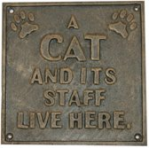 Muurplaat: A cat and its staff live here - set van 2 stuks