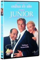 Junior (D)