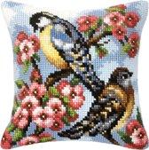 kruissteekkussen 9021 vogels met bloemen