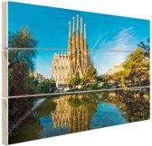 Sagrada Familia en water Hout 30x20 cm - Foto print op Hout (Wanddecoratie)