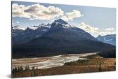 Hoge bergen in het Nationaal park Jasper in Canada Aluminium 90x60 cm - Foto print op Aluminium (metaal wanddecoratie)