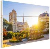 FotoCadeau.nl - Notre Dame zonnige dag Hout 120x80 cm - Foto print op Hout (Wanddecoratie)