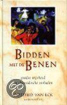 BIDDEN MET DE BENEN
