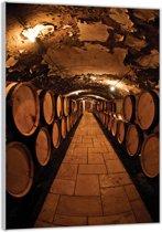 Plexiglas –Wijnvaten in de Wijnkelder– 40x60cm (Wanddecoratie op Plexiglas)
