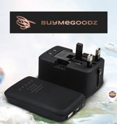Universele Wereldstekker met Geïntegreerd 5000 mAh Powerbank + 3 USB Poorten - 2000 Watt Intern. Reisstekker voor 150+ landen - Amerika (USA) - Engeland (UK) - Australië - Azië - Zuid Amerika - Afrika – Reis Adapter met Omvormer - Oplader – Zwart