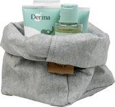 Colibries plume opbergmand Sage Green + 4 stuks Derma Eco Baby producten - billenzalf babyolie babycrème en babyshampoo - duurzaam - wasbaar papieren - groen