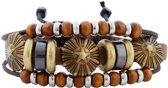 Leren armband uit Tibet met drie messing knopen en houten kralen