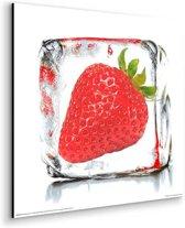 Aardbei in ijs  - Schilderij 30 x 30 cm