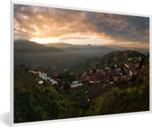 Foto in lijst - Wolkenformaties tijdens zonsopgang bij Taichung in Taiwan fotolijst wit 60x40 cm - Poster in lijst (Wanddecoratie woonkamer / slaapkamer)