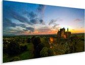 Een kleurrijke zonsondergang bij de Ierse Rock Of Cashel Plexiglas 160x80 cm - Foto print op Glas (Plexiglas wanddecoratie)